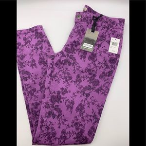 ✨HOST PICK🍸✨ Zco floral pattern JEANS_NWT